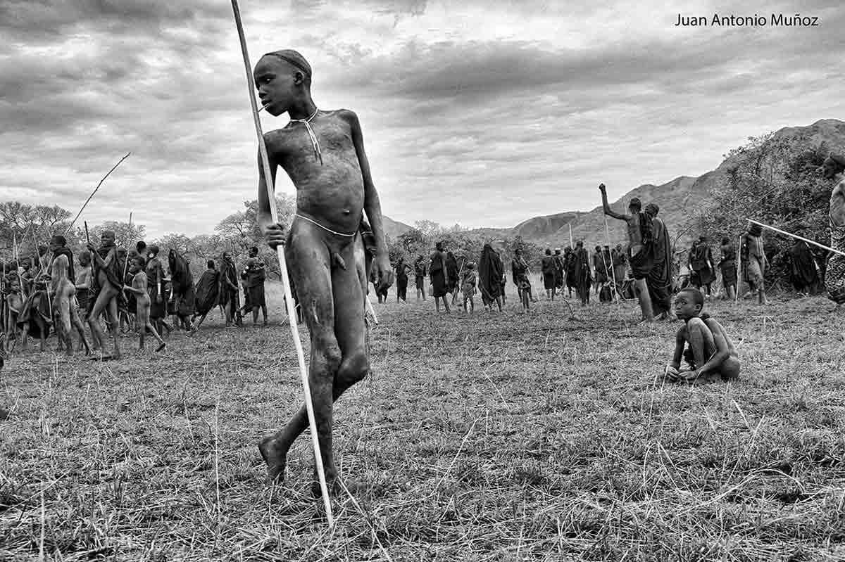 Joven Surma Etiopía