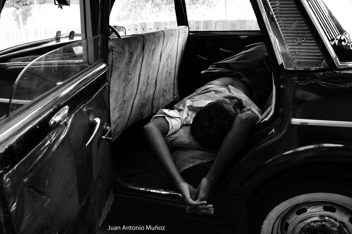 Taxi conductor en India