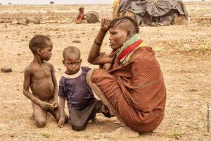 Madre hija Turkana Kenia
