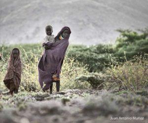 Niños al amanecer Kenia