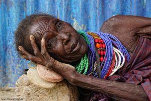 Turkana descansando Kenia