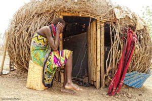 Choza con puerta Kenia