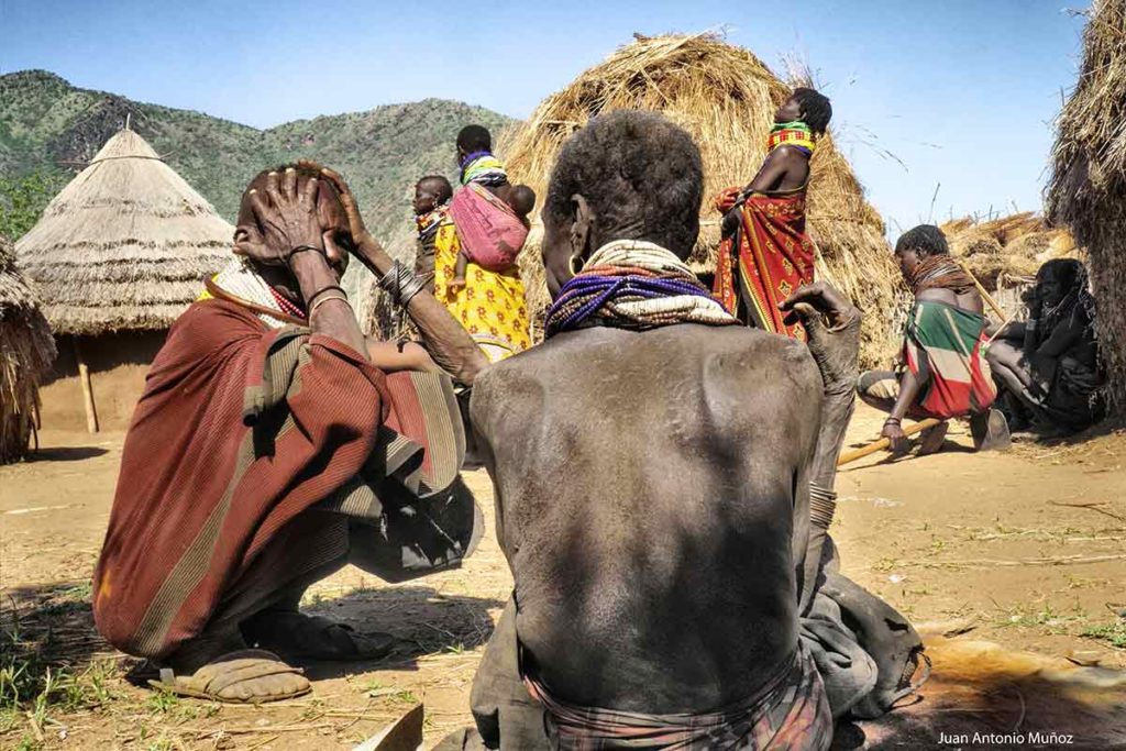 Conversación Turkana Kenia