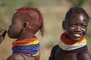 Jóvenes turkana Kenia