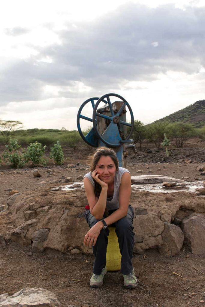 Tatiana en un pozo en Oropoi
