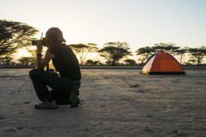 Tatiana Fotografiando atardecer camp