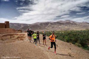 Pasando por Tamnougalt Marruecos