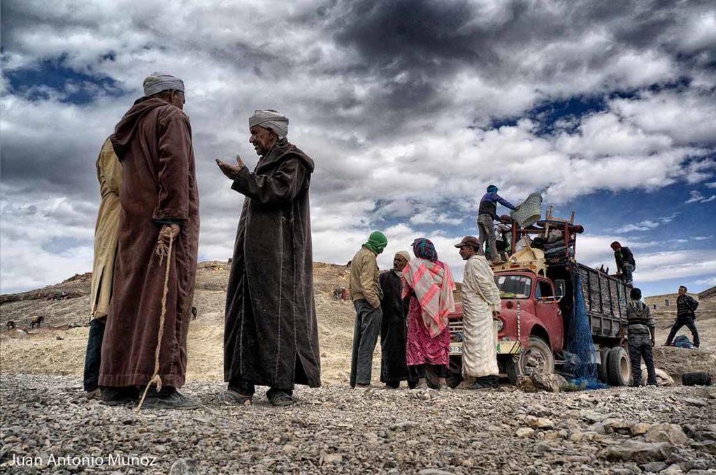 Saliendo del mercado de Imilchil Marruecos