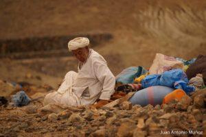 Anciano descansando Marruecos