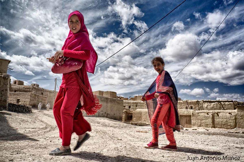 Jóvenes de rojo Marruecos