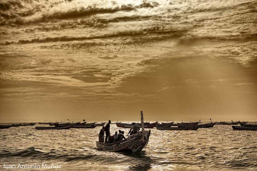 Atardecer en puerto Nouakchott Mauritania
