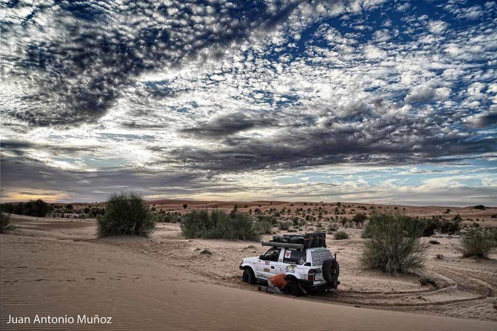 Atascada en desierto. Mauritania
