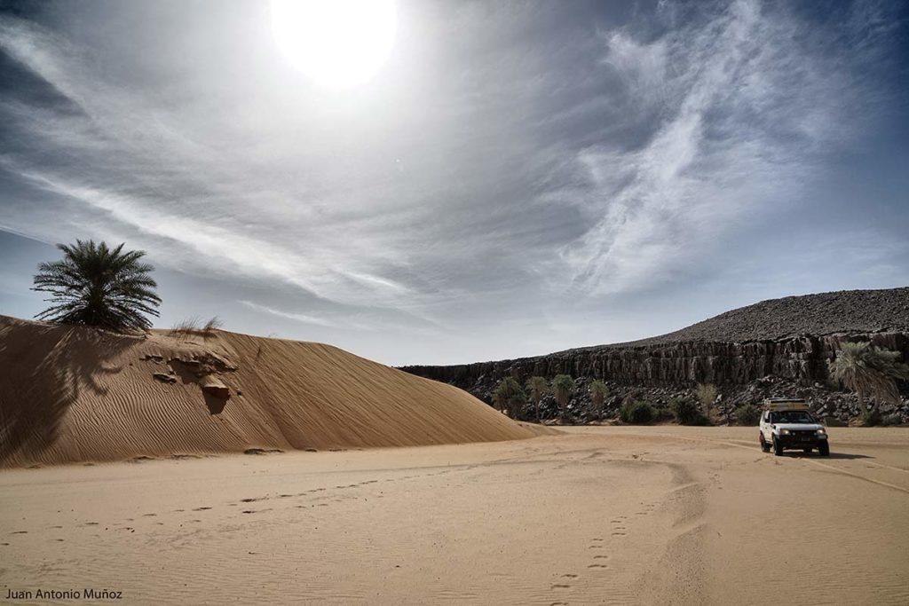 Circulando en el oued. Mauritania