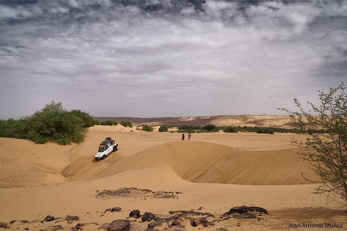 Bajando la duna. Mauritania