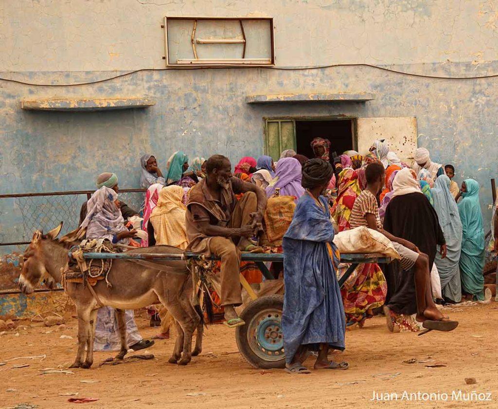 Carromato en el mercado. Mauritania