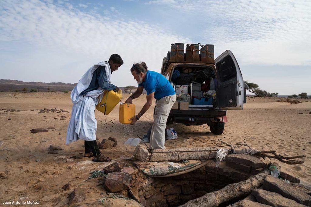 Cargando agua. Mauritania