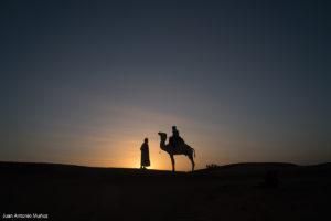 Amanecer en la caravana. Marruecos