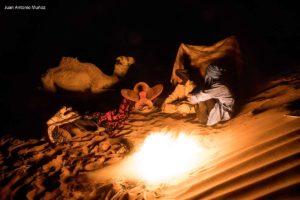 Fuego en campamento. Marruecos