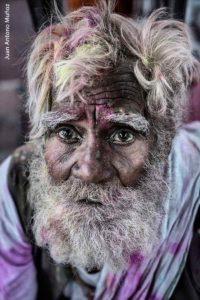 Anciano Holi 2. India