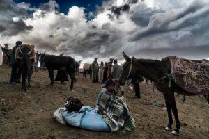 Descansando en mercado. Marruecos
