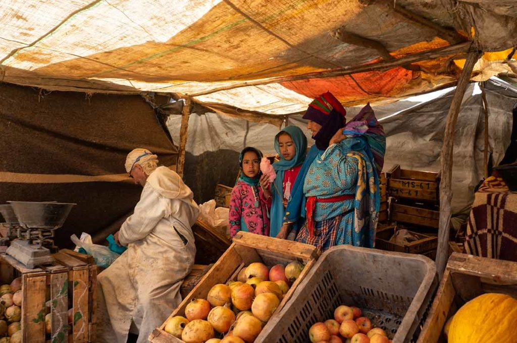 Familia en la compra. Marruecos