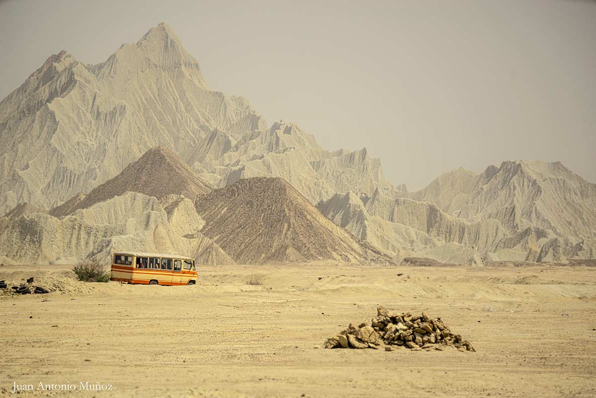 Bus desierto. Irán