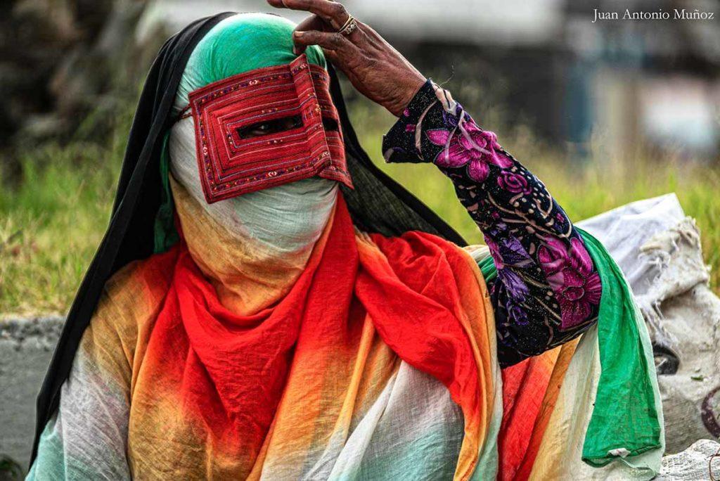 Enmascarada de colores. Irán