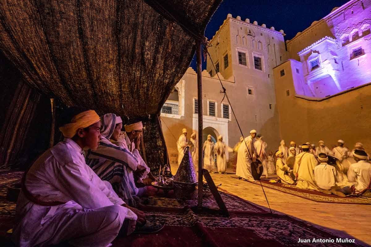 Cantantes en Taourirt. Marruecos