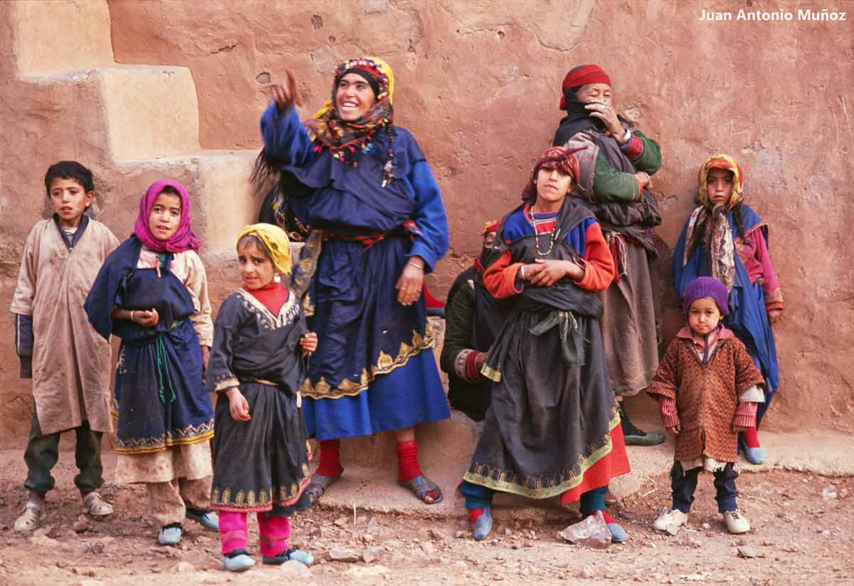 Familia bereberes Anti Atlas. Marruecos
