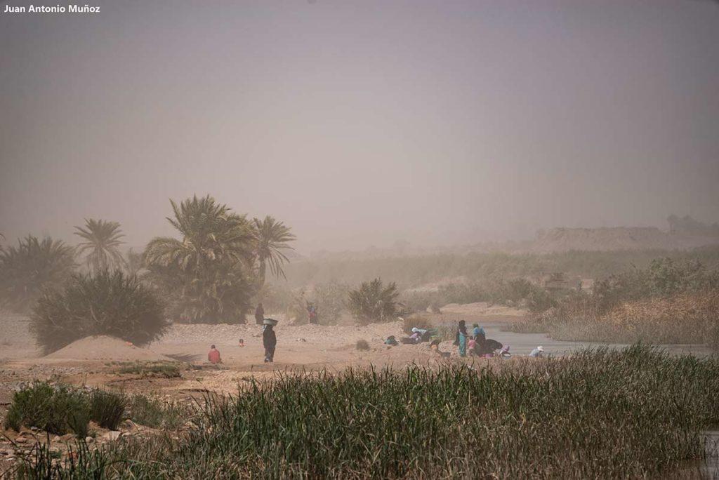 Lavanderas en Valle Draa. Marruecos