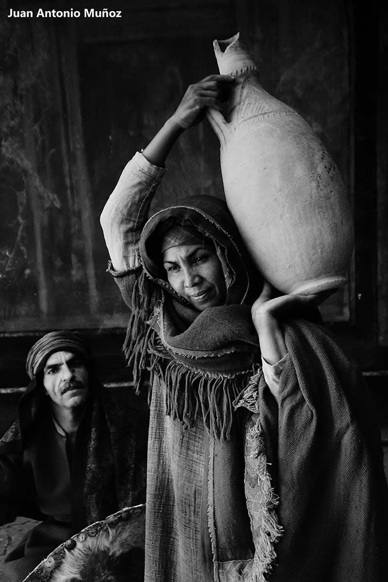 Mujer con cántara. Marruecos