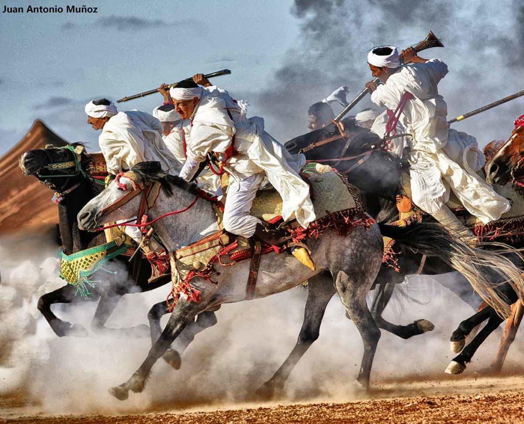 Jinetes disparando. Marruecos