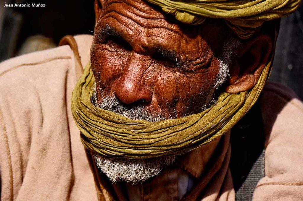 Señor turbante boca. Marruecos