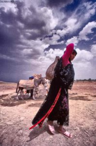 Aguadora con cántara. Marruecos