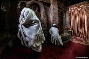 Interior iglesia Lalibela. Etiopía