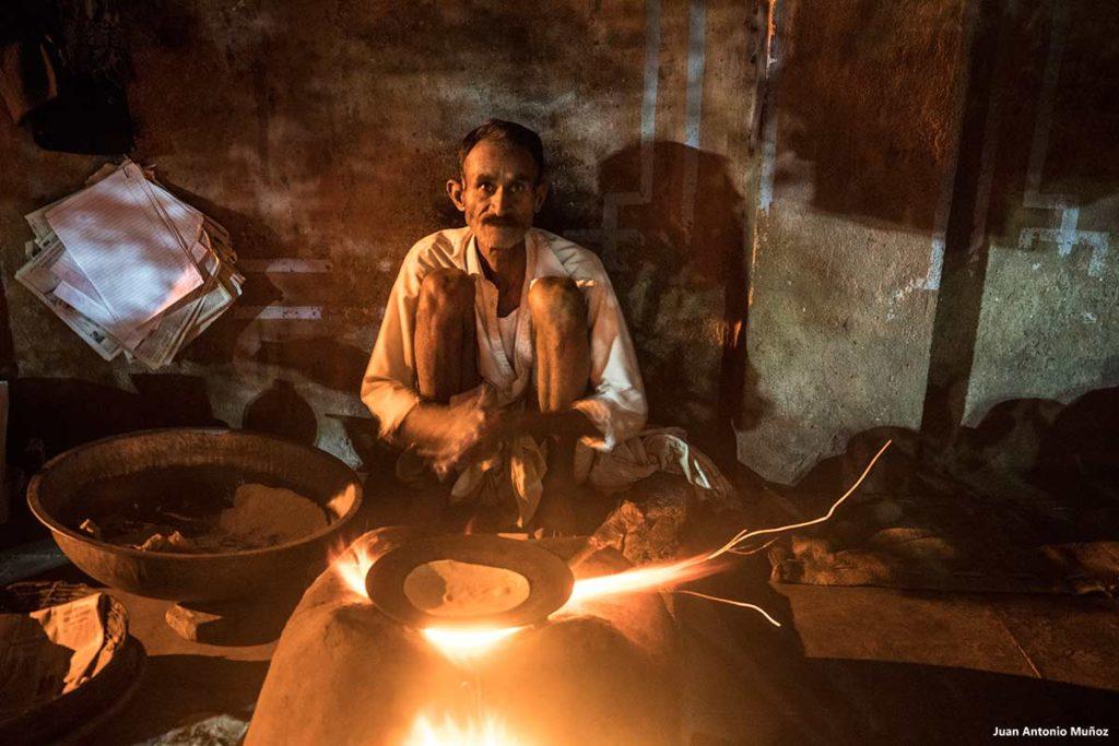 Haciendo chapati. India