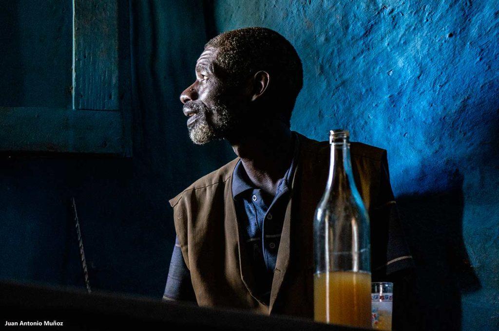 Bebiendo Taj. Etiopía