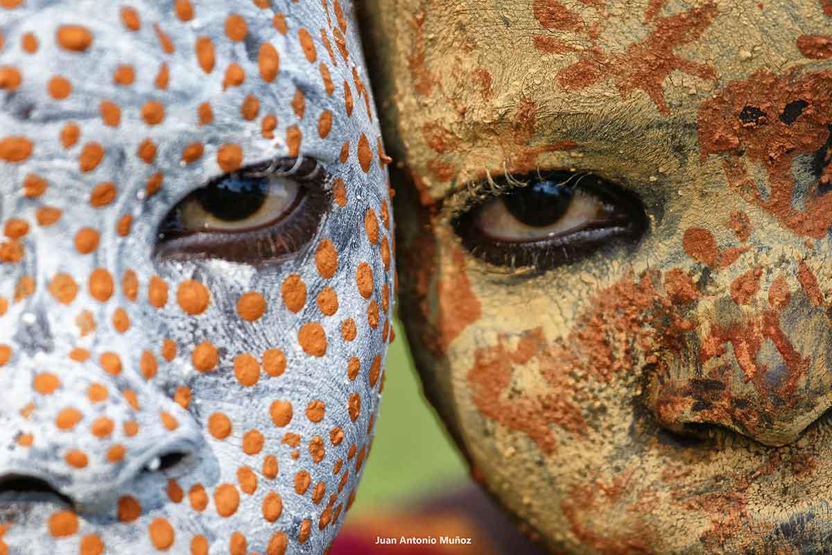 Rostros Surma color. Etiopía