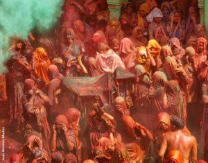 Pórtico y colores. India