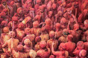 Multitud Holi. India