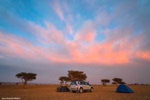 Montando campamento. Marruecos