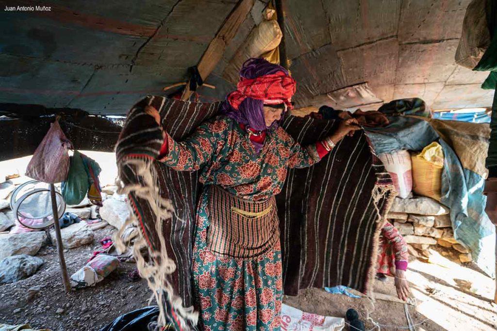 Bereber y mantón lana. Marruecos