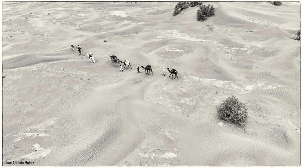 Caravana desde el aire. Marruecos