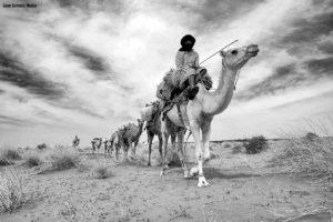 Caravana cargada Mauritania.