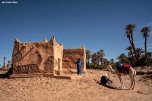 Morabito en desierto. Marruecos