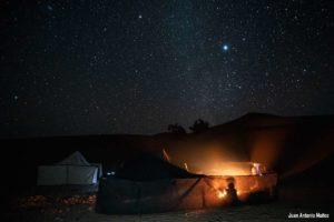 Noche bajo las estrellas. Marruecos