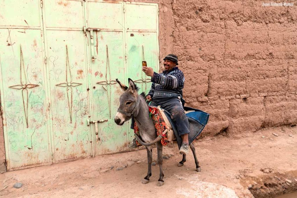 Foto en burro. Marruecos